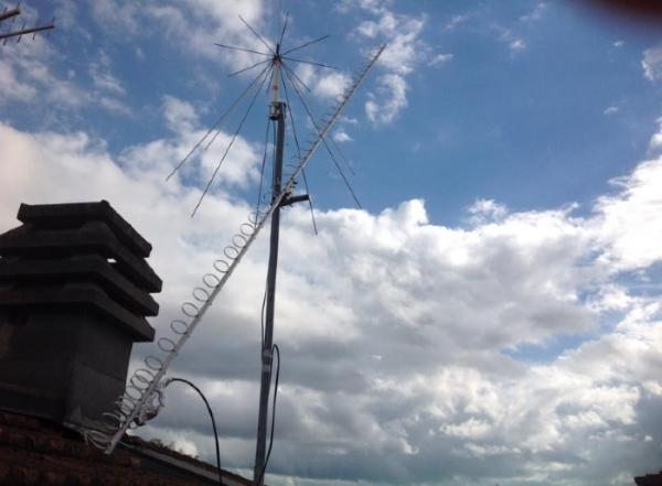 Antenna Yagi-Loop a 1420 MHz